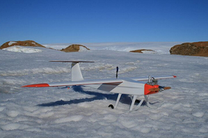 An unmanned Chinese helicopter has completed its maiden flight from the Great Wall Station in the South Pole and has photographed fauna and flora in the area. During the hour's flight on Monday of Jan. 19, the lithium-battery powered helicopter took over 350 high-quality photos.